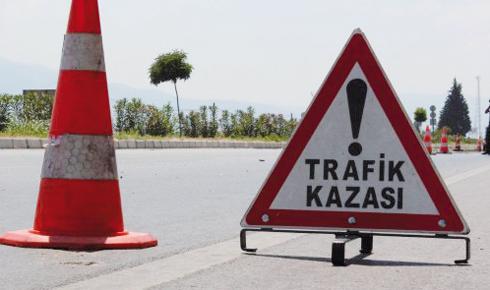 antalya-da-trafik-kazasi-3-olu-1-yarali-8828700_x_2573_o