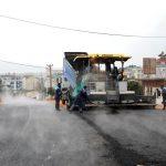 KARAKOCALI'DA BAĞLANTI KÖPRÜSÜNÜN SICAK ASFALT DÖKÜMÜ TAMAMLANDI